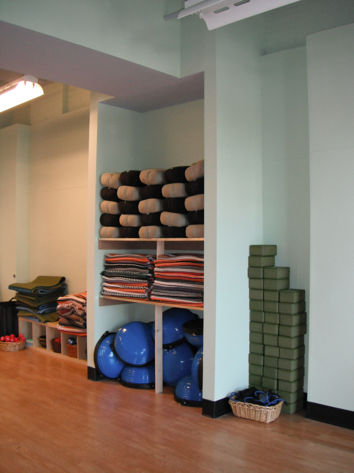 Yoga Prop Storage
