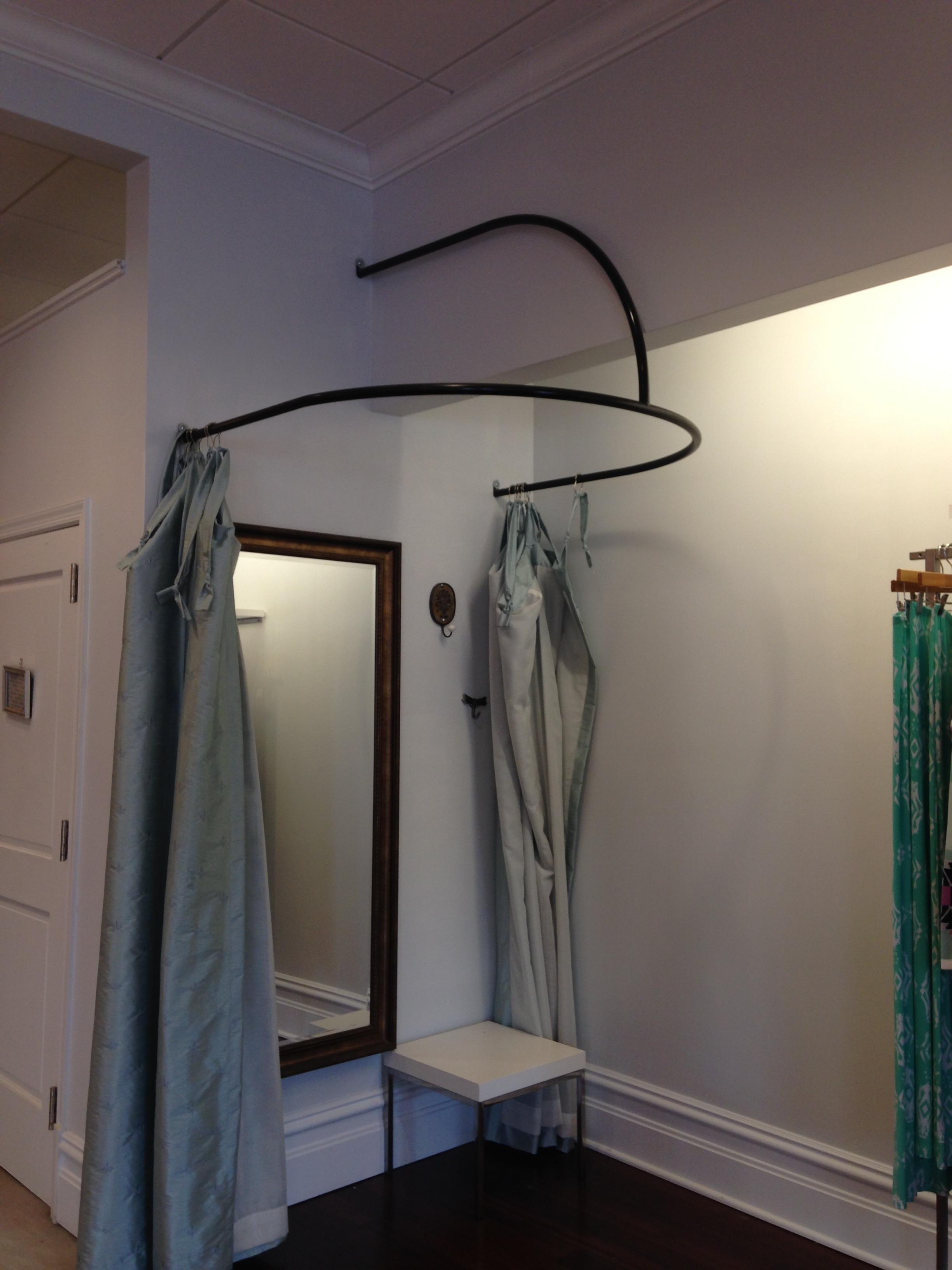 Dressing Room Curved Steel Divider